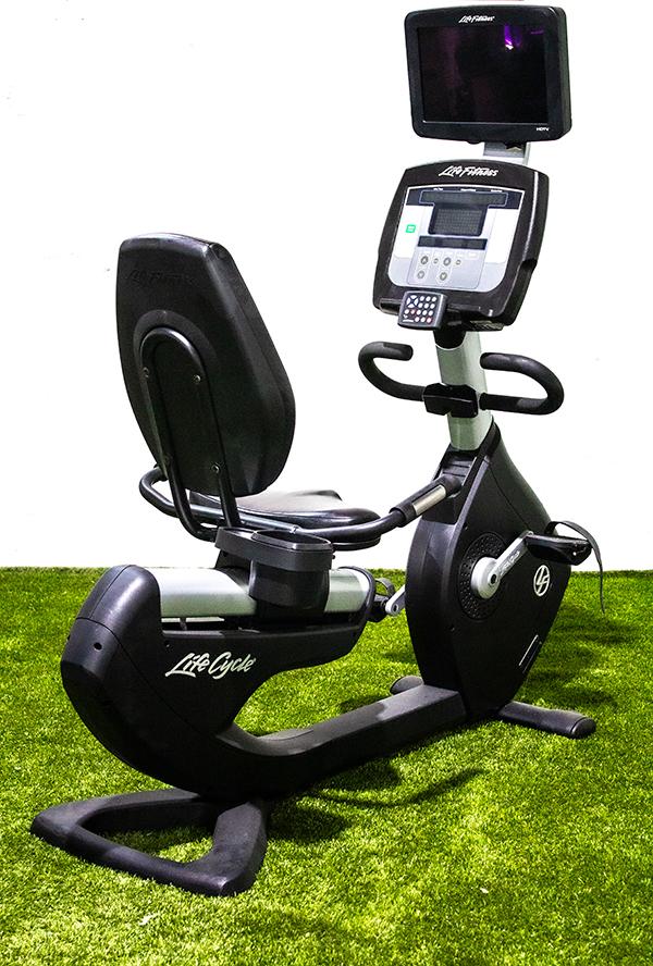 Life Fitness 95R Recumbent Bike w/ TV