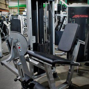 Life Fitness Club Series Leg Extension