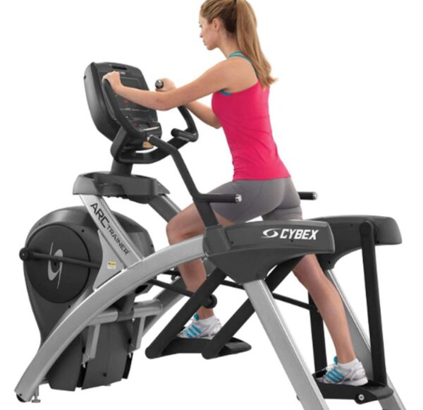 Cybex 770A  Arc Trainer  w/ Standard Console
